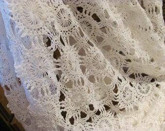 Vintage White Square  Lace Tablecloth 58 x 58 ,Circle Pattern