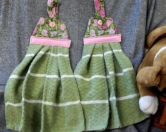Hanging Kitchen Button Towels, Pink Hydrangea Print Top