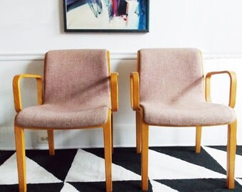Mid Century Modern Knoll set of two chairs/ 1970s blush pink office chairs/ 70s bentwood  desk dining chairs