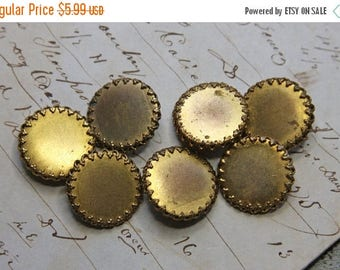 ON SALE Vintage BRASS Buttons- Sewing Supplies- Jewelry Supply- Goldtone Button Lot