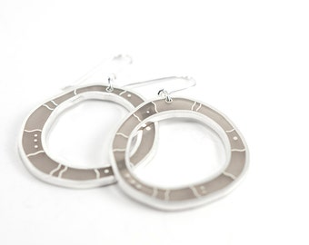 Doodle Earrings in gray resin and sterling silver