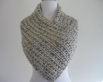 Knit Cowl, Knit Neck Warmer, Textured Rib Stitch Cowl Neck Warmer in Oatmeal - Wool Blend - Soft Cowl - Warm Cowl - Gift for Her