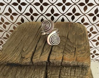Reserved Vintage Taxco Mexico Sterling Silver Modernist Double Swirl Patterned Ring
