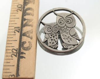 Vintage Pewter Color Owl Pin Mom and Baby Owls Metal Color Silver Tone