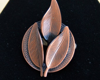 Pretty Vintage Copper Leaf Brooch, Pin (M7)