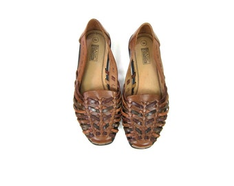 2 Tone Brown Leather Huaraches Slip On 80s Moccasins Boho Sandals Vintage Summer Flats Cut Out Woven Sandals Flats Womens Size 9 Wide