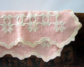 Pink Linen Table Runner Embroidered Table Runner tapestry Long Vanity Scarf Vintage Fabric Mid Century Cottage Chic Estate Sale