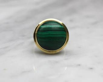MIDCENTURY MALACHITE VINTAGE  18k gold antique solitaire cocktail statement ring circa 1960s size 6.75