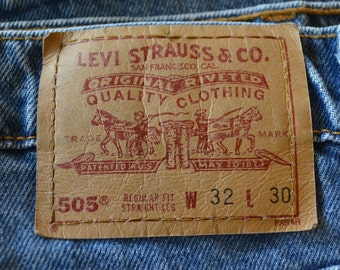 Vintage LEVI'S 505 w32 l30 Made In USA red tab 80's denim blue jeans
