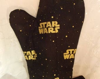 ON SALE Star Wars Oven Mitts, Black and Gold Star Wars Kitchen, Geek Party, Star Wars Kitchenware, Geeky Tableware