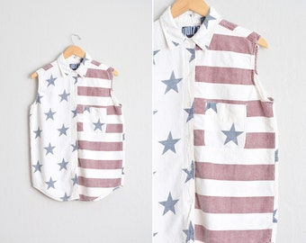 Size M/L // STARS & STRIPES SHIRT // Sleeveless Button-Up Top - Oversized - 4th of July - Vintage '90s.