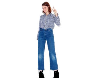 tiny vintage Wranglers wrangler jeans / size xxs xs / ripped jeans boyfriend jeans distressed jeans high waisted jeans mom jeans raw hem