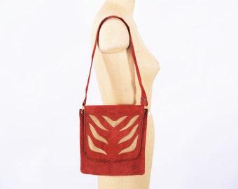 1970s suede bag | reddish brown suede hippie flap shoulder bag | vintage 70s purse