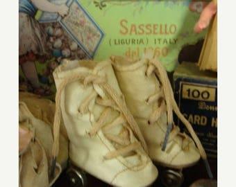 ON SALE Vintage Doll Skates