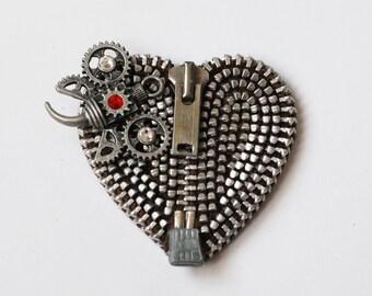 Steampunk Bubble Bee Zipper Brooch - Vintage Zippers - Recycle - Reuse - Zipperedheart