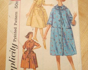 Vintage UNCUT Sewing Pattern Simplicity 3664 / 1960s / Housedress / Housecoat / Misses / Womens / Size 14 / Bust 34