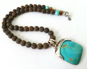 Stunning large turquoise necklace