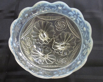 Vintage Northwood Glass Bowl, Ruffles And Rings Pattern, Ice Cream Bowl - REDuCED