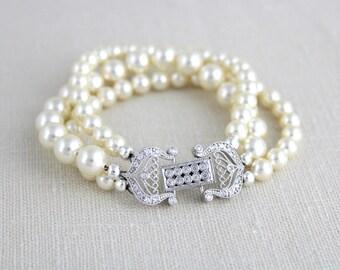 Crystal Bridal bracelet, Pearl Wedding bracelet, Bridal jewelry, Pearl bracelet, Swarovski bracelet, Cuff bracelet, Rose gold bracelet