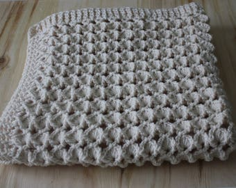 Super soft Crochet Cream Rosa's Marshmallow Shell Stitch, Handmade Newborn Baby Blanket, Photography Props Blanket, Car seat tent canopy