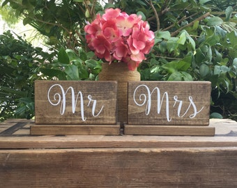 MR and MRS SiGnS - MiNi Mr and Mrs Signs - MiNi Bride and Groom Signs - His Hers Signs - Sweetheart Table Decor - Rustic Stained - 6.5 x 3.5