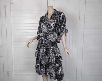 New Wave Dress in Black & White Abstract- 1980s / 80s Baggy Ruffle Dress