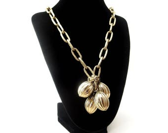 Chunky Unmarked Vintage Gold Tone Metal Large Link Chain & Textured Metal Ball Cluster Pendant Focal