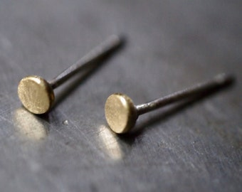 Tiny dot 18k yellow gold stud post earrings (single earring)