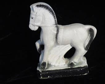 County Fairs  Horse Chalkware Carnival Prize Solid