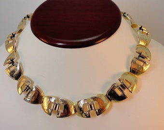 80s Goldtone collar necklace/Earrings set Striking vintage