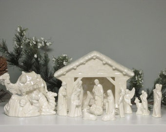 Ceramic Nativity Creche Scene Mother of Pearl