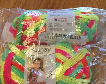 Red heart sashay  boutique mini lot of 2