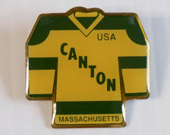 Vintage Canton Mass Youth Hockey Association Pin Vintage NEW ENGLAND Bull Dogs USA