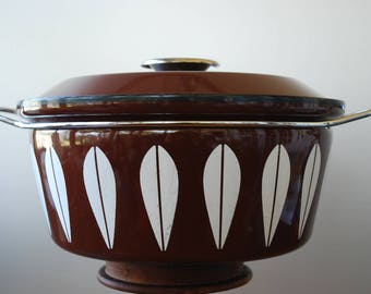 """Catherine Holm of Norway - White on Brown - Lotus  - Lidded Casserole - 13 1/2"""" - 1960's - Midcentury Modern"""