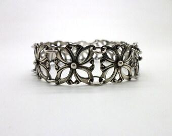 Vintage Taxco Sterling Silver Link Bracelet Mexican Flower Design