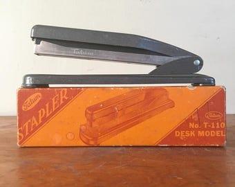 Vintage Model T-110 Tatum Desk Stapler.