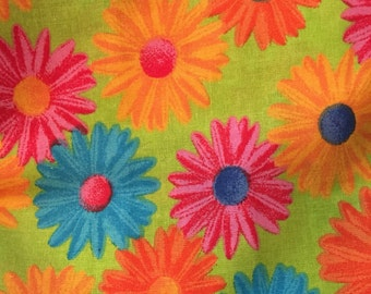 Closeout fabric sale 1.5 yards of 100% Cotton daisy Fabric -free shipping
