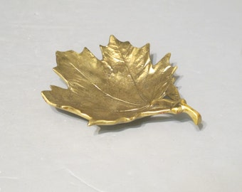 Vintage Brass Sugar Maple Leaf Dish / Golden Leaf Virginia Metalcrafters Ring Holder Vanity Tray Office Desk Accessory Decorative Key Holder