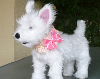 """Dog Ruffle Collar, Pet Bandana, Hearts in Diamonds Dog Scrunchie Collar with pink and white bow - Size S: 12"""" to 14"""" neck"""
