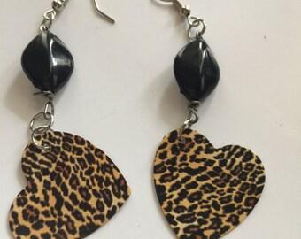 Cheetah earrings, Cheetah Dangles, Cheetah Jewelry, Beaded cheetah earrings, Beaded cheetah dangles, Cheetah print earrings, Cheetah print
