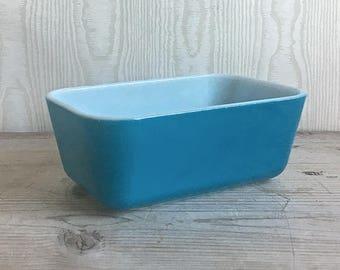 Pyrex Loaf Dish  Refrigerator Dish Blue Retro Kitchen Mid Century 502-B
