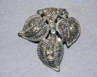 Vintage / Art Deco / Dress Clip / Clear / Bridal / Wedding / Rhinestone / Leaf / old jewelry