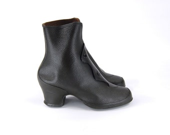 1950s Rain Galoshes Size 7 // Black Rubber Boots // Heeled Boots