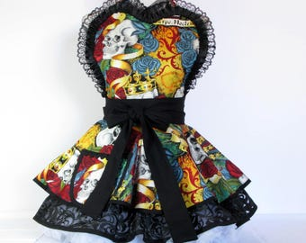 NEW Ready to Ship Carpe Noctem Seize the Night Skulls and Roses Apron by Dots Diner