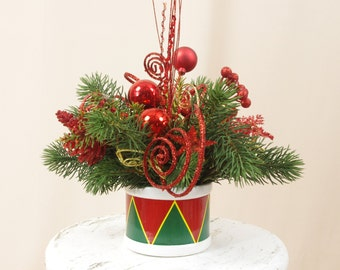 Red and Green Arrangement, Christmas Decoration, Christmas Drum,  Holiday Centerpiece, Holiday Decor, Christmas Centerpiece