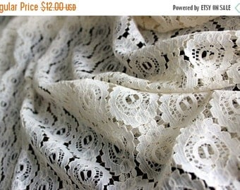 Synthetic Lace Material, Fabric Lace in Cream, Unfinished Edges 13736