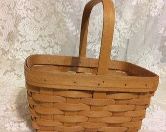 Cute little 1997 Longaberger Basket