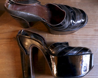 "70s BOWIE GLAM black patent leather sky high platforms high heels 5"" RARE vintage 1970s"