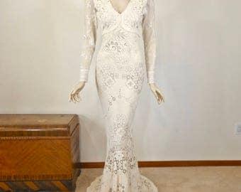 Long Sleeve Bohemian Wedding Dress Ivory Lace Wedding Dress VINTAGE Inspired Wedding Dress Mermaid BOHO Wedding Dress Handmade Sz Small