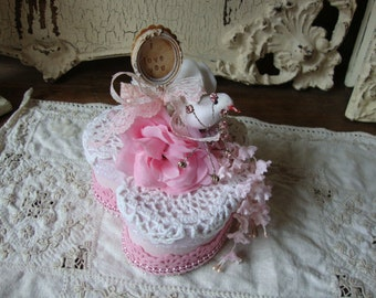 Gift box for friend Bridesmaids gift keepsake heart jewelry box party favor Altered gift box paper mache trinket box Shabby Chic pink